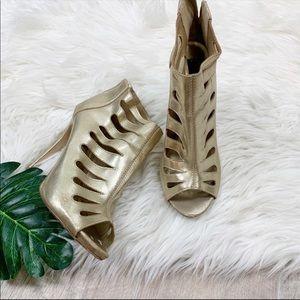 Dollhouse Gold Metallic Peep Toe Ankle Heels Pumps